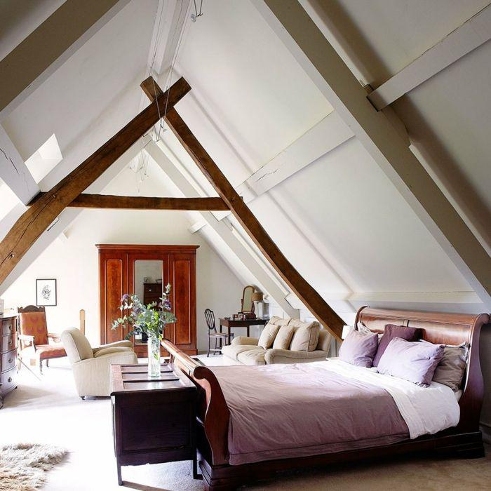 aménagement de combles idée chambre meubles en bois couleurs chaudes