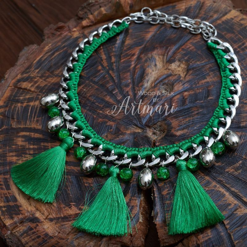 Photo of NECKLACE with brushes: 18 thousand images found in …