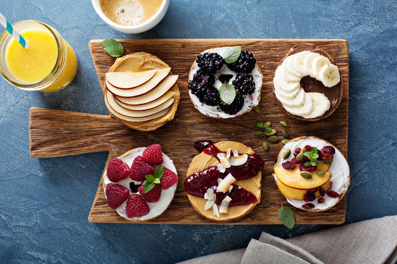 Kalorienarmes Frühstück mit Reiswaffeln