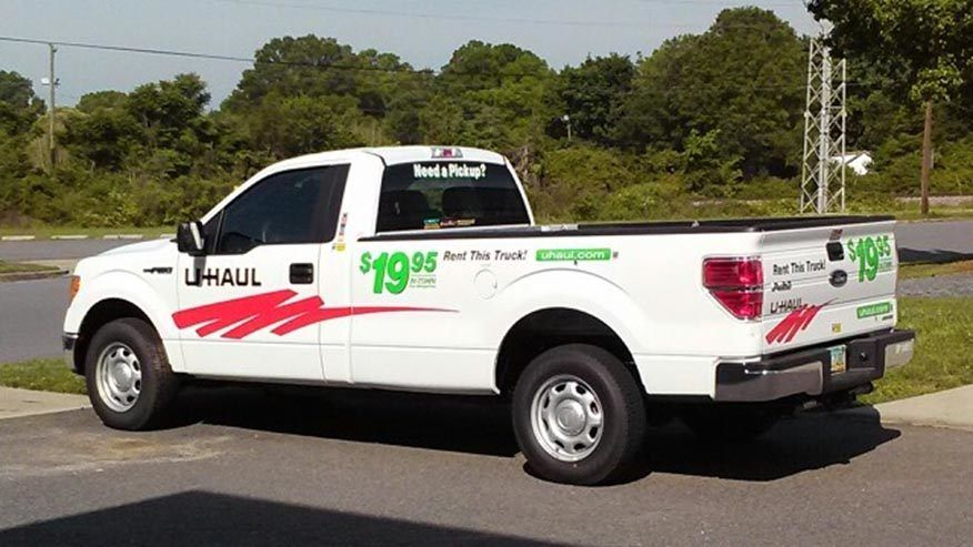 Fox News Driver In Stolen U Haul Leads Police On High Speed Chase And Crashes Again U Haul Truck Pickup Trucks Bed Haul