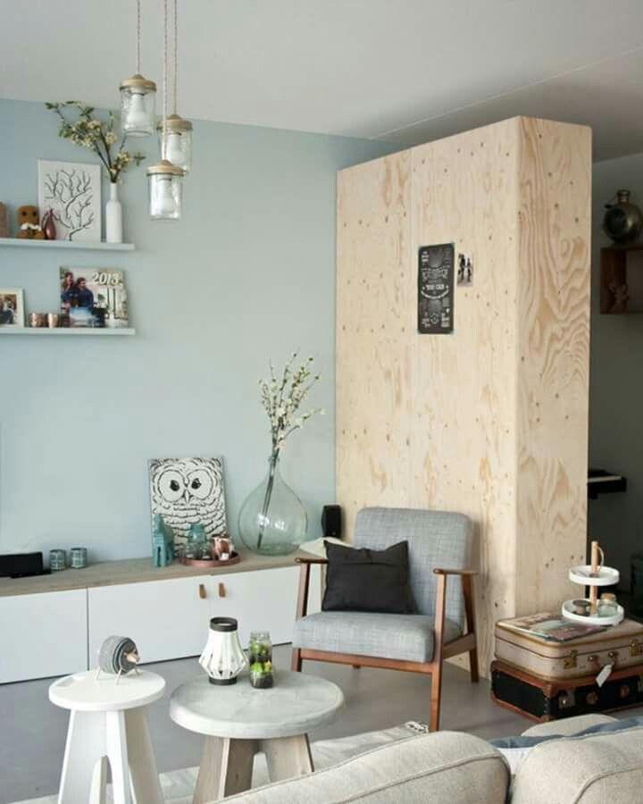 kast en mooie stoel woonkamer pinterest