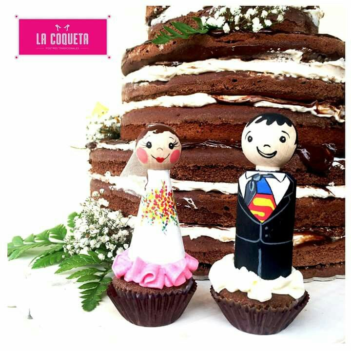 Chocolate naked cake wedding topper muñecos torta (by La Coqueta) Customized peg doll