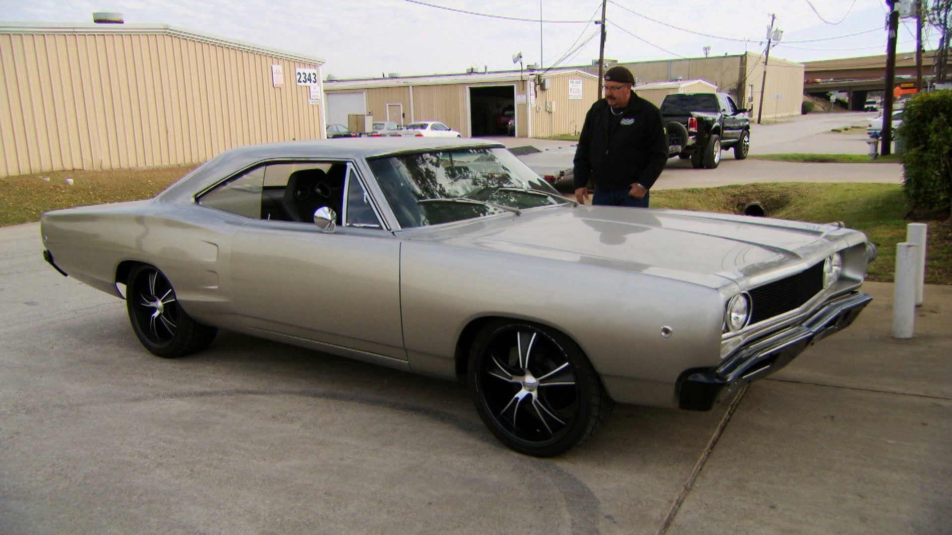 Gas monkey garage gas monkey pinterest garage monkey and gas - Gas Monkey Scores A 1968 Coronet