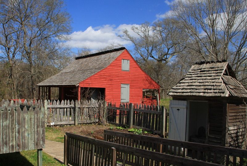 First Generation Acadian Houses Were Comprised Of Two Rooms Often Built Right Onto The Ground With Dirt Floors Exper Acadian Cottage Acadian Homes Cedar Roof