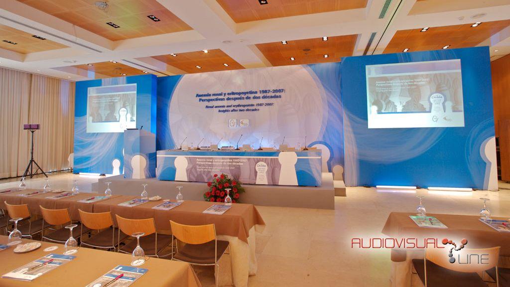 Evento Anemia Renal Team Congress. 2007 Trasera en cartón pluma con pantallas de bastidor encastradas. Presidencia en el centro.