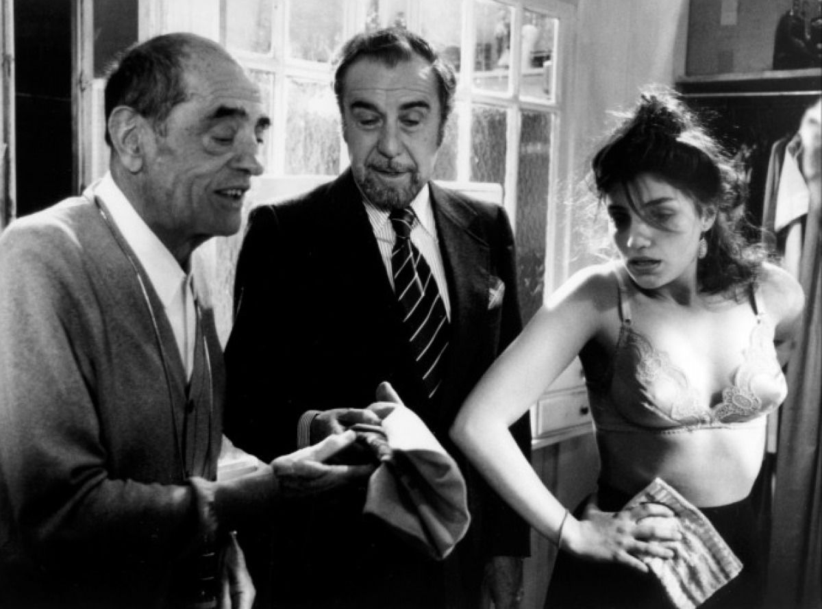 the life and work of luis bunuel portoles Luis buñuel is one of the most important directors in film history he was born in teruel the 22 nd of february, 1900 despite being born in spain, most of his work was made in mexico and france since he was exiled during franco´s dictatorship.