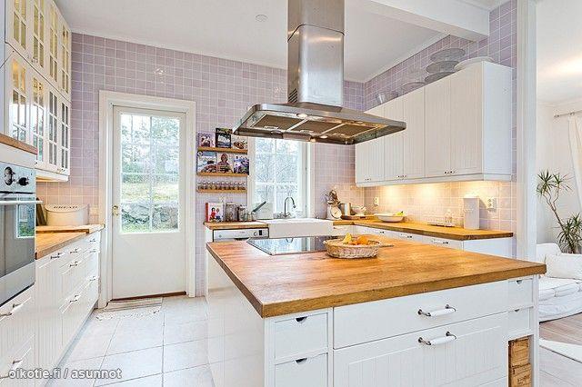 Myytävät asunnot, Kalliolahdentie 34, 10650 Raasepori #oikotieasunnot #keittiö
