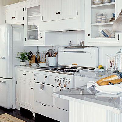 White Appliances Yes You Can Retro Kitchen Appliances Retro Appliances Home Kitchens