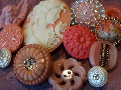 BEAUTIFUL-PRETTY-PINK-VINTAGE-NEW-FANCY-BUTTONS-CAMEO-GLASS-RHINESTONE-FLOWER