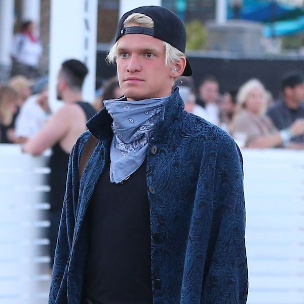 Cody Simpson Hangs Out With Mystery Woman At Coachella - http://oceanup.com/2016/04/16/cody-simpson-hangs-out-with-mystery-woman-at-coachella/