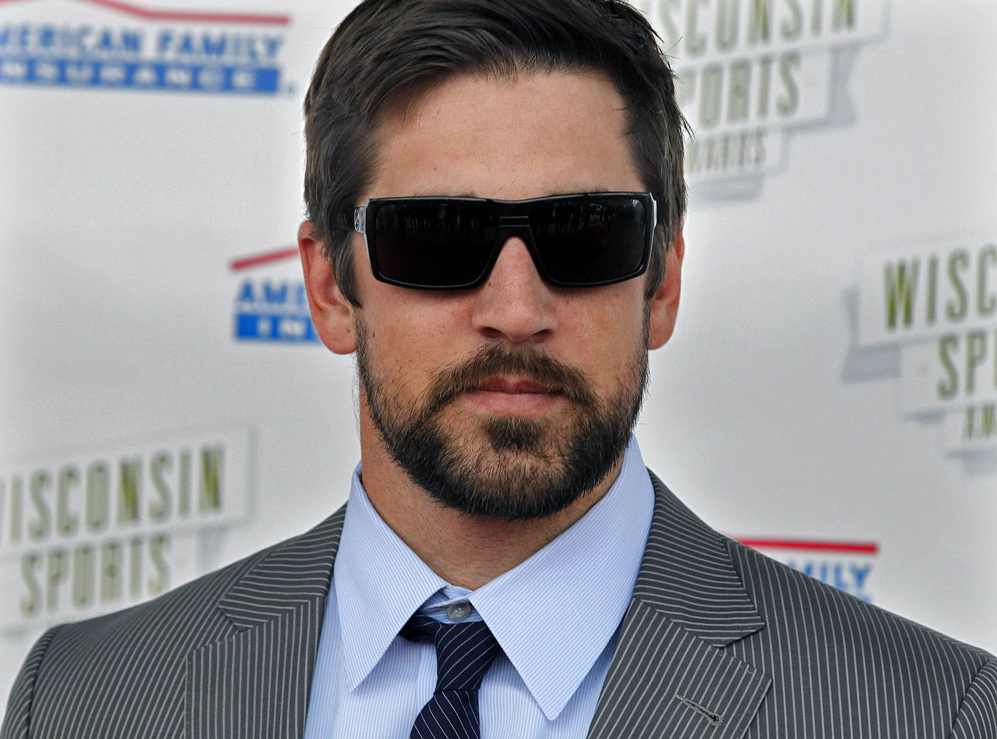 Photos Red Carpet At Wisconsin Sports Awards Aaron Rodgers Sports Awards Packers Baby