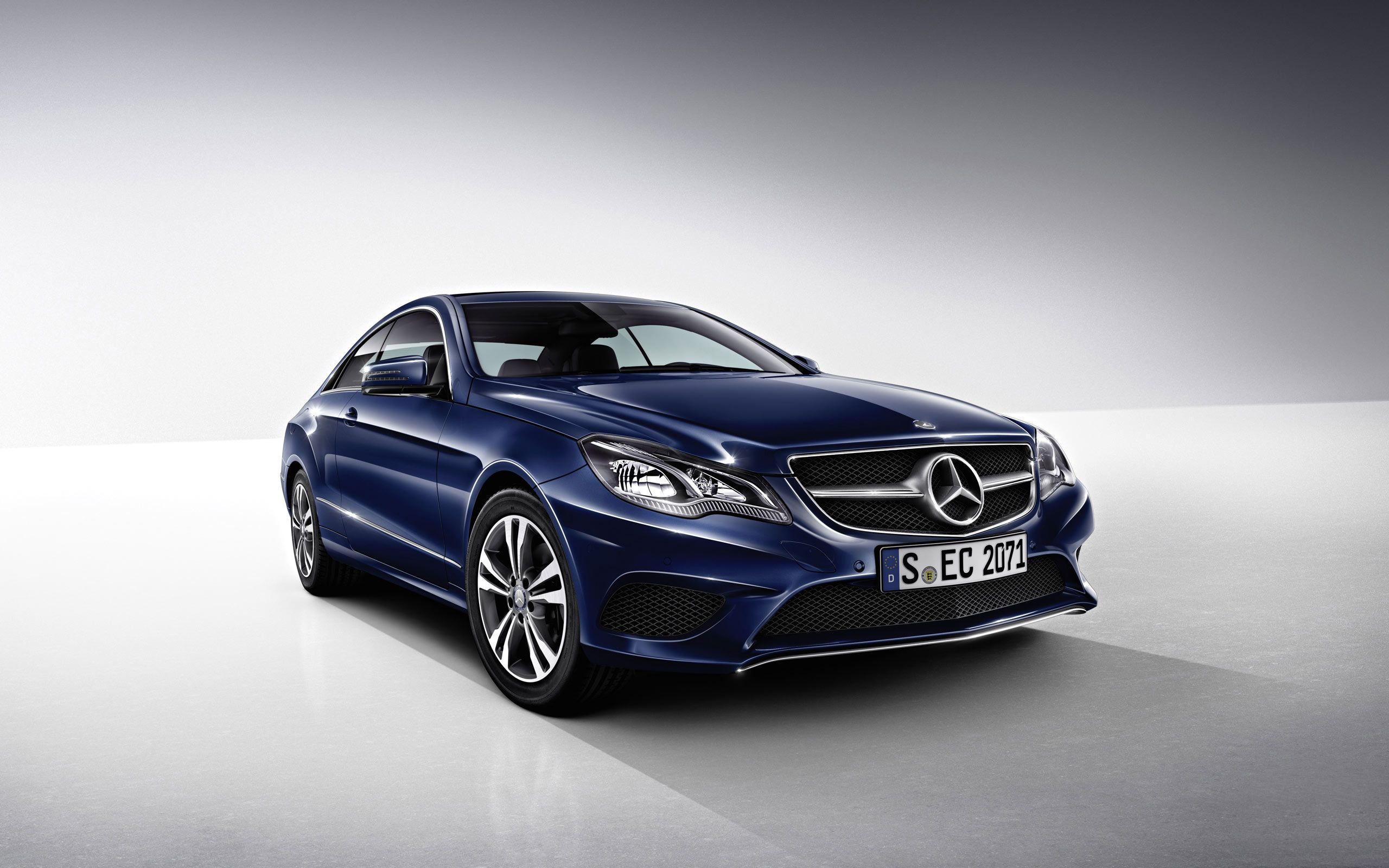 direct a definition chicago sport mercedes cars in benz sedan presents youtube high watch
