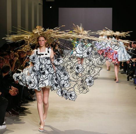 Viktor Rolf Spring 2018 Couture Collection - Vogue 96