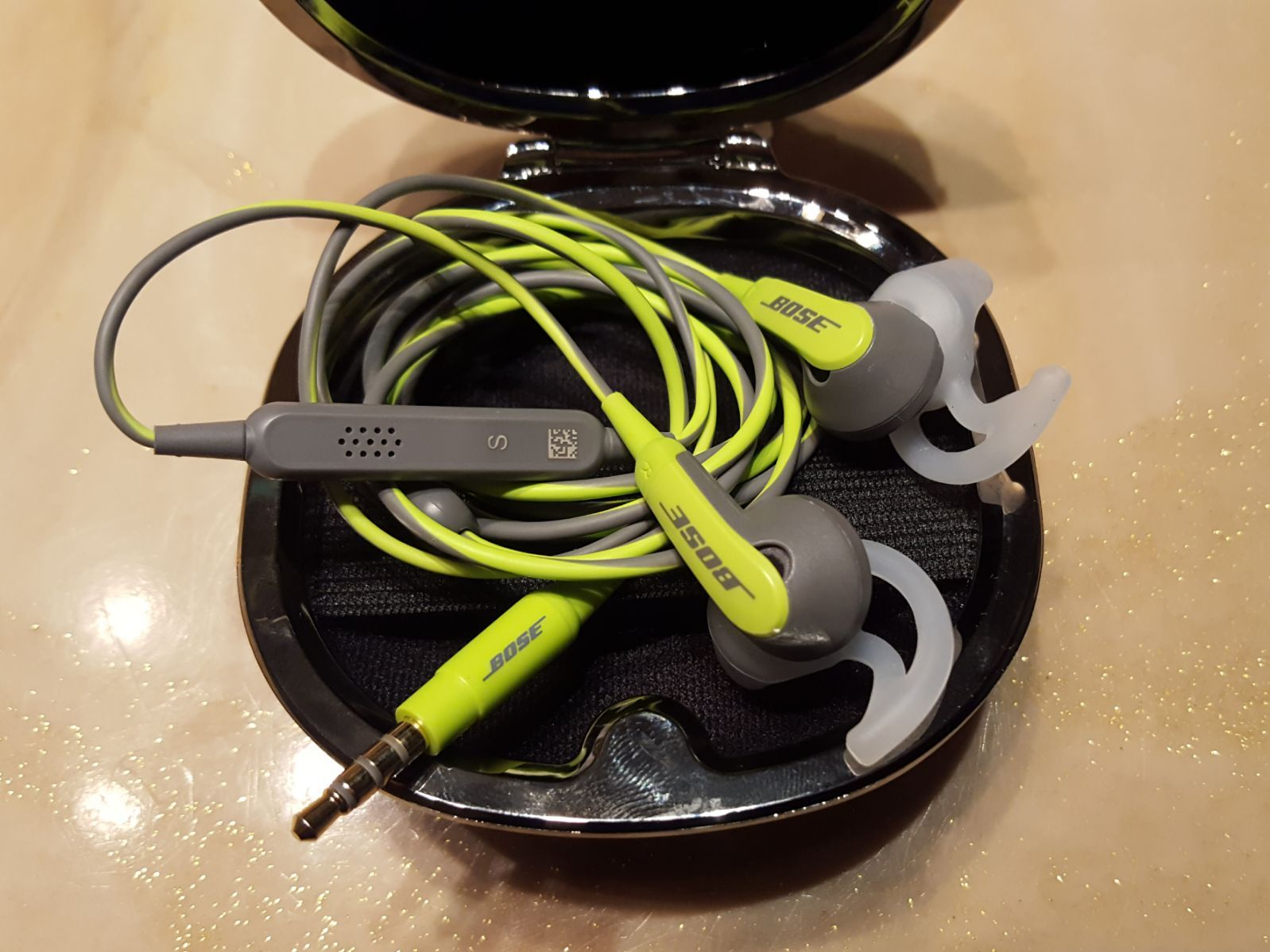 Bose Soundsport In Ear Headphones Color Energy Green Comes With Case Tested And Works Thank You In Ear Headphones Bose Green