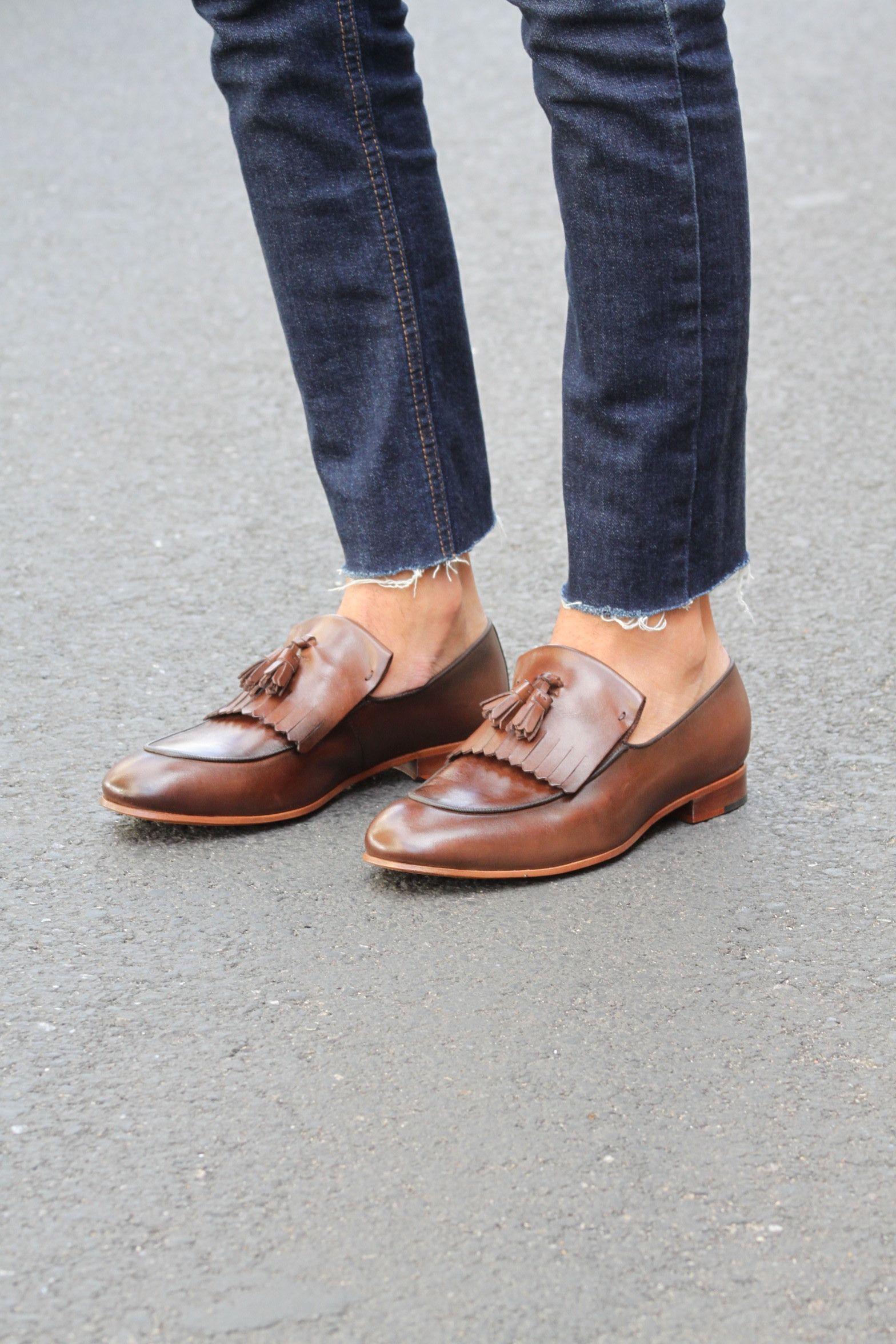 08eb3a7a0 Sapato Social Masculino Loafer CNS + em couro cor Café com solado em couro.