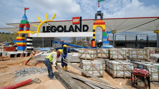 Legoland Is Coming To Great Lakes Crossing!   Legoland ...