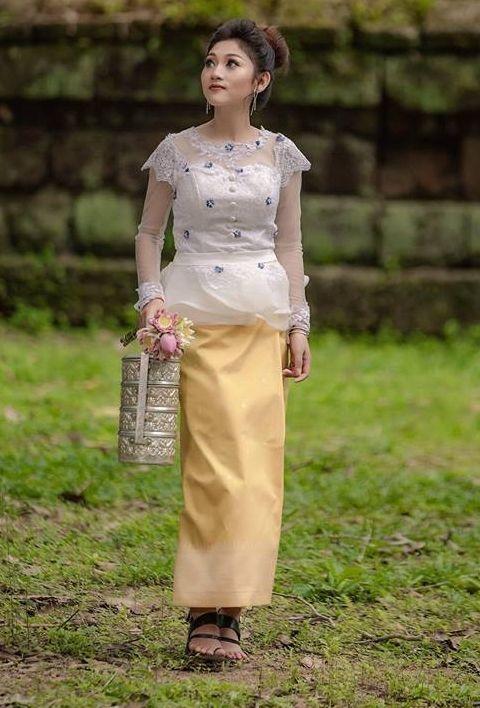 khmer traditional dress | Traditional dresses, Dresses ...