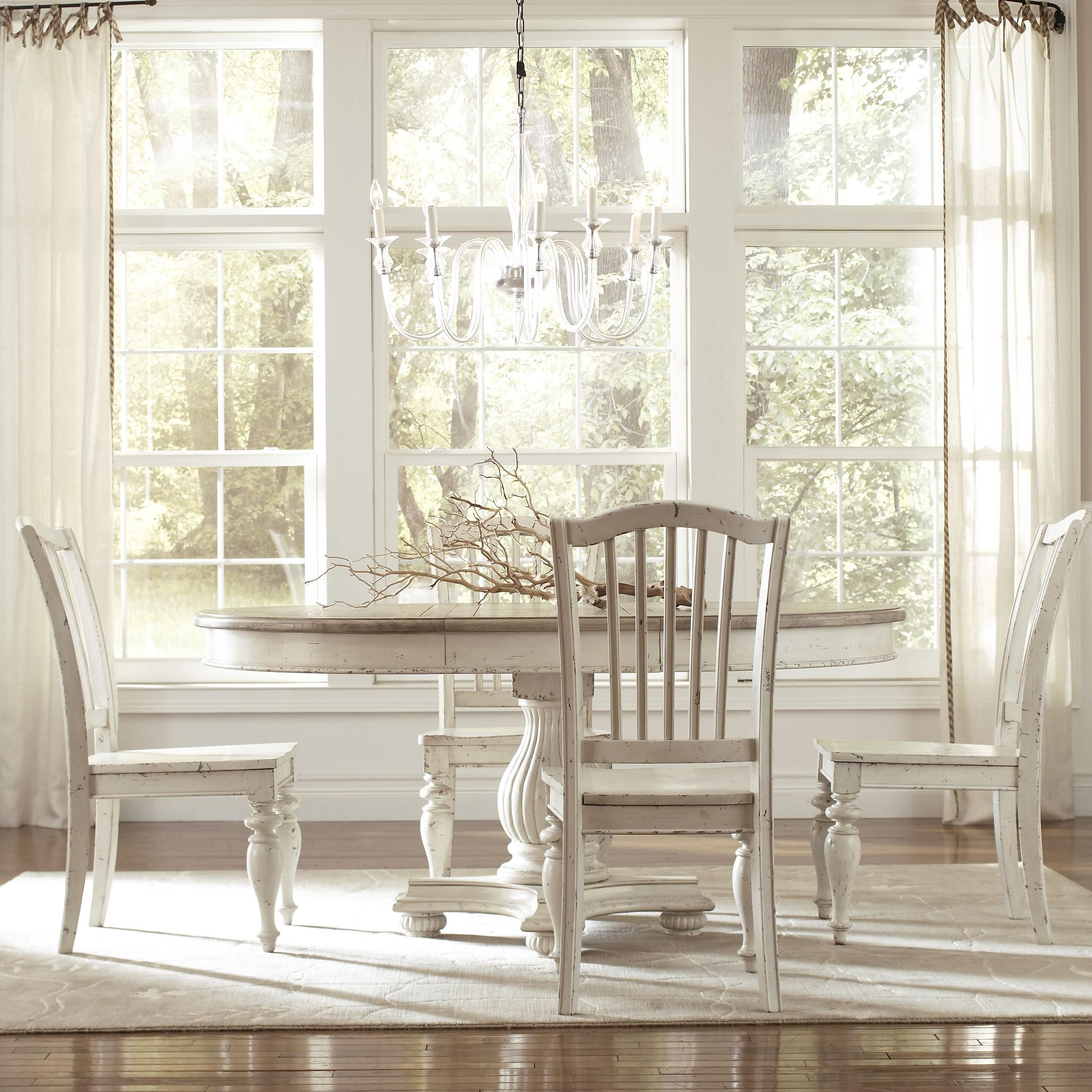 Riverside Furniture Coventry Two Tone Round Pedestal Dining Table With 18 Leaf