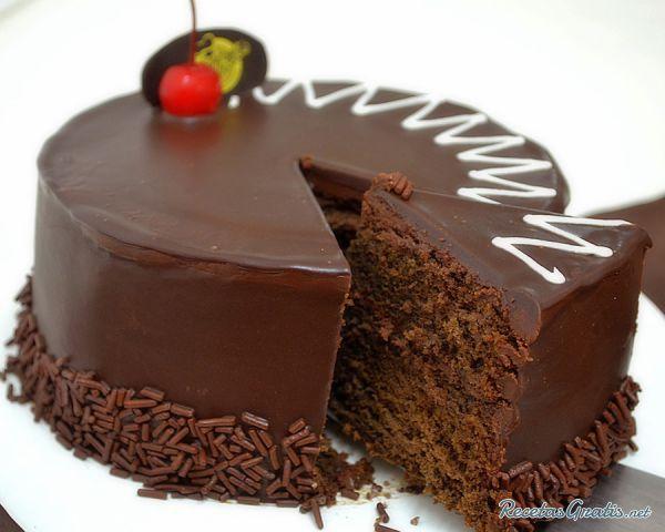 Tarta Tres Chocolates Decorada Con Fresas