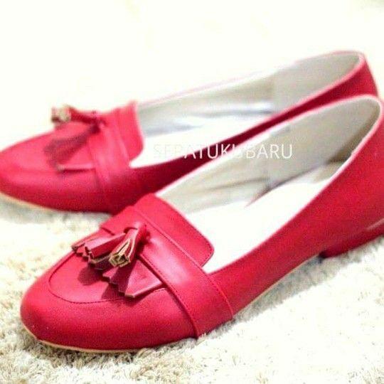 Buat Sepatu Sesuai Keinginanan Bisa Custom Warna Bahan Bentuk