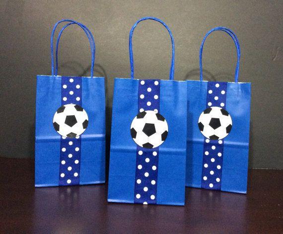 92366fad1 Fútbol cumpleaños fiesta tema Favor bolsos | Fiestas de fútbol en ...