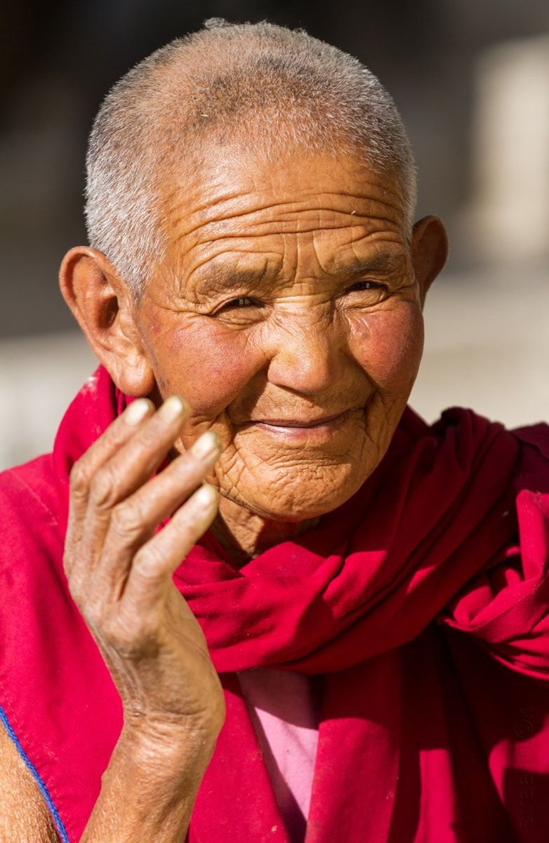 Hello, wanderer! - Friendly looking and smiling old ...