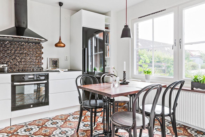 Kök kök mosaik : Köket är frÃ¥n Ballingslöv, högkvalitativ bänkskiva av ...
