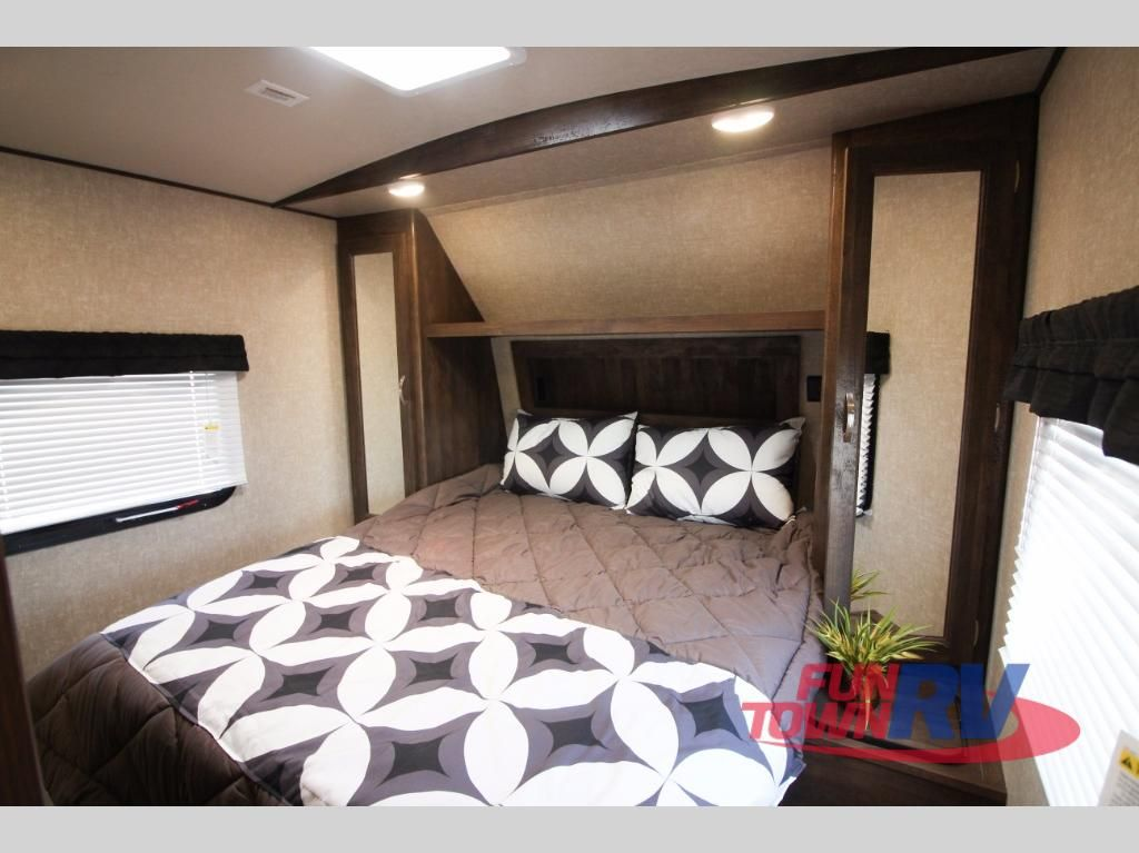 New 2018 Forest River Rv Vibe 272bhs Travel Trailer At Fun Town Rv