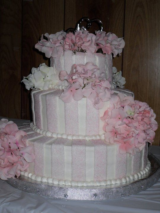 Buttercream+Wedding+Cakes+No+Fondant   White cake with pineapple/apricot filling…frosted in buttercream and ...