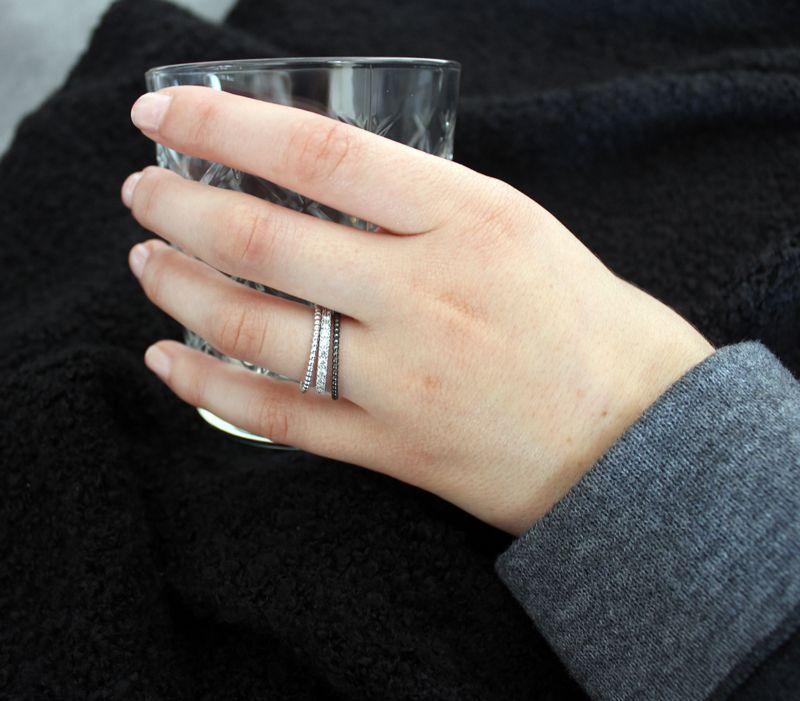 Moderne Fingeringe aus Gold und Silber Memoirering mit Brillanten
