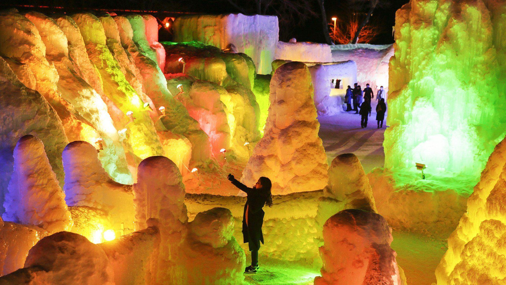 Festival del Hielo en el Lago Shikotsu, en Shikotsukoonsen, al norte de Japón. El Festival de hielo se celebra del 29 de enero al 21 de febrero