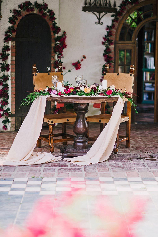 Prismática boda en una hacienda en la selva tropical de Puerto Rico ⋆ Ruffled  – Boda