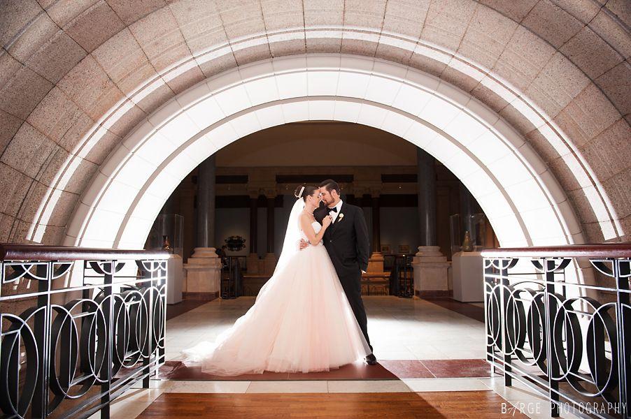 Cincinnati Wedding Photographers Barge Photography Art Museum27