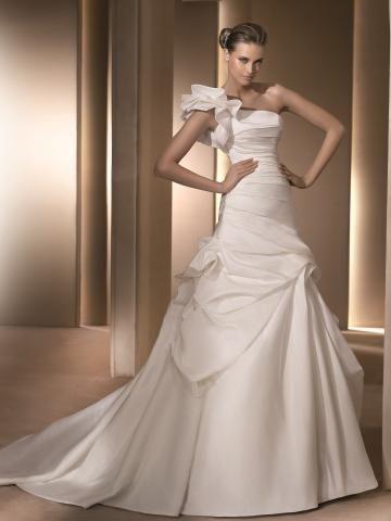 Pin By Allyson Gooldy On Timmerman Wedding Pronovias