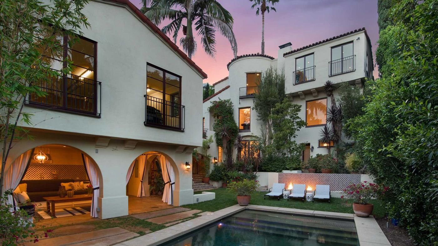 Spanish Style Home In Los Angeles Spanish Style Homes Spanish Style Architecture Spanish Style