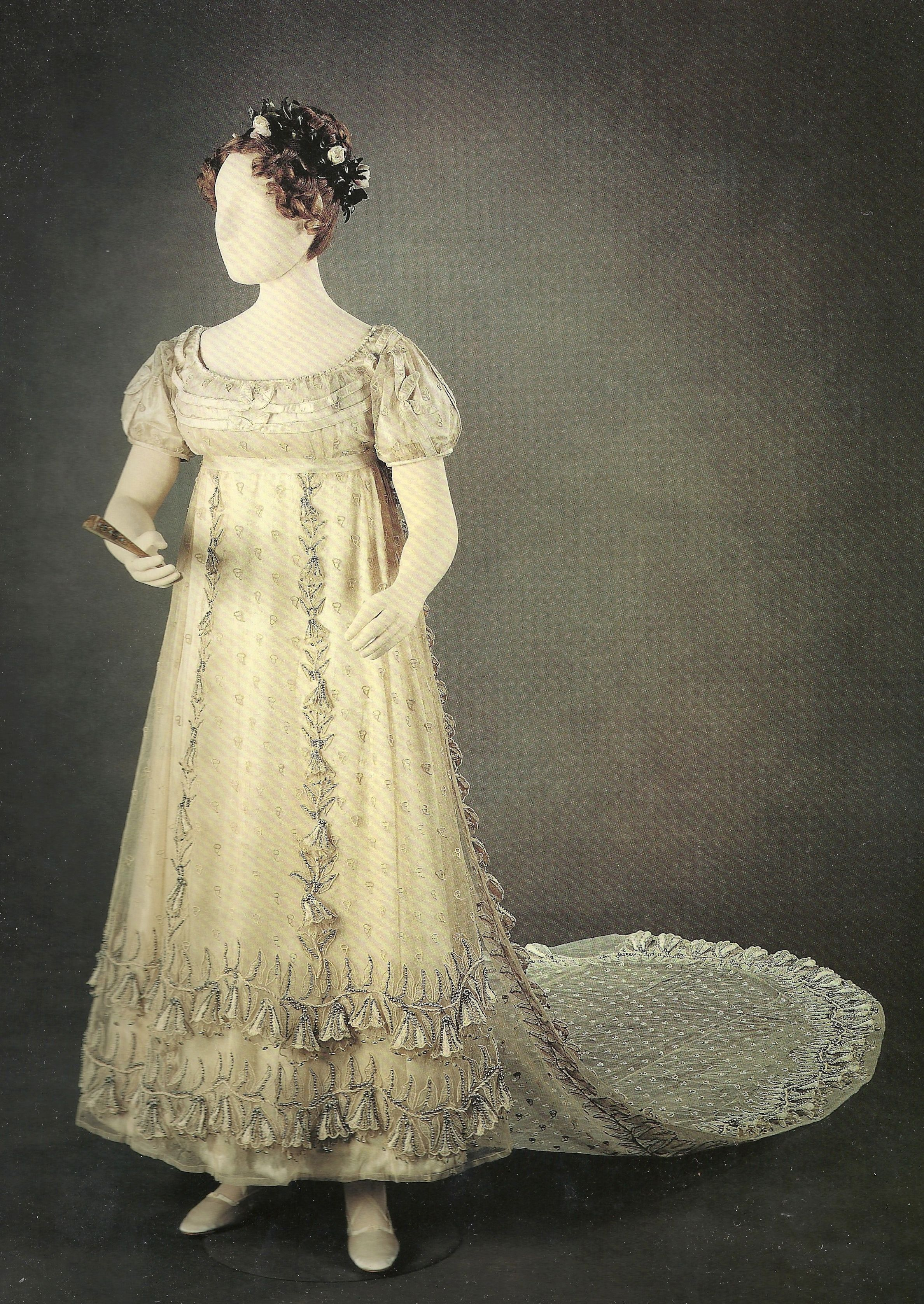museum of london gown 1801 | Her silver and white evening gown, on loan from the Museum of London;