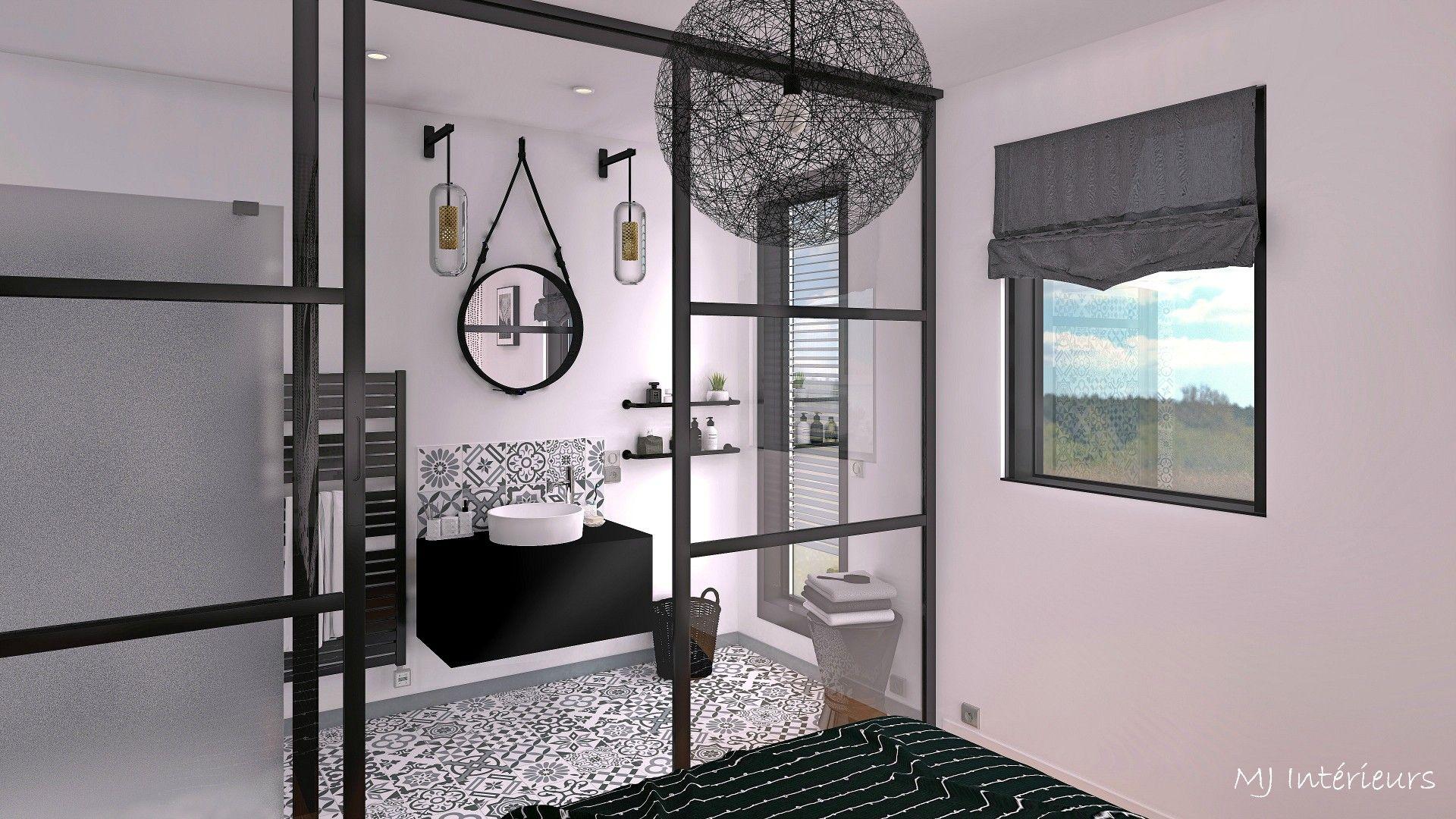 Salle de bain de la master bedroom séparée par une verrière ...