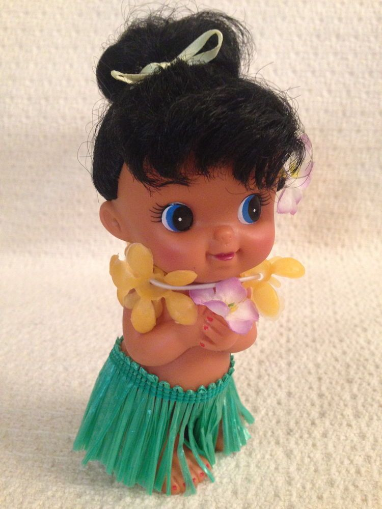 Vintage Retro Hawaiian Hula Girl Rubber Figure Doll Grass Skirt Bottom Peek Mint