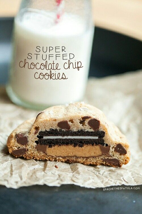 Super stuffed chocolate chip cookies
