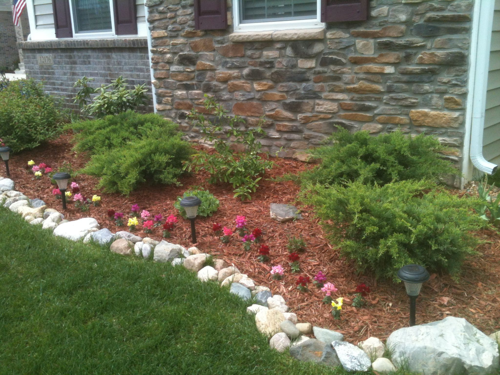 How To Build Curbing Forms In Concrete Sidewalk Landscaping Front Yard Landscaping Yard Landscaping