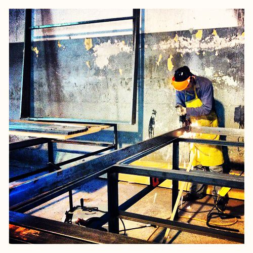 Nós gostamos de trabalhar: Trabalho duro sempre compensa.