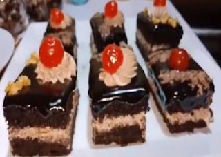 طريقة عمل جاتوه شاتوه من الشيف فاطمه ابو حاتي مطبخ أتوسه على قد الايد Desserts Food Brownie