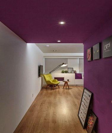 peindre un plafond avec une peinture couleur d co couloir aubergines et plafond. Black Bedroom Furniture Sets. Home Design Ideas