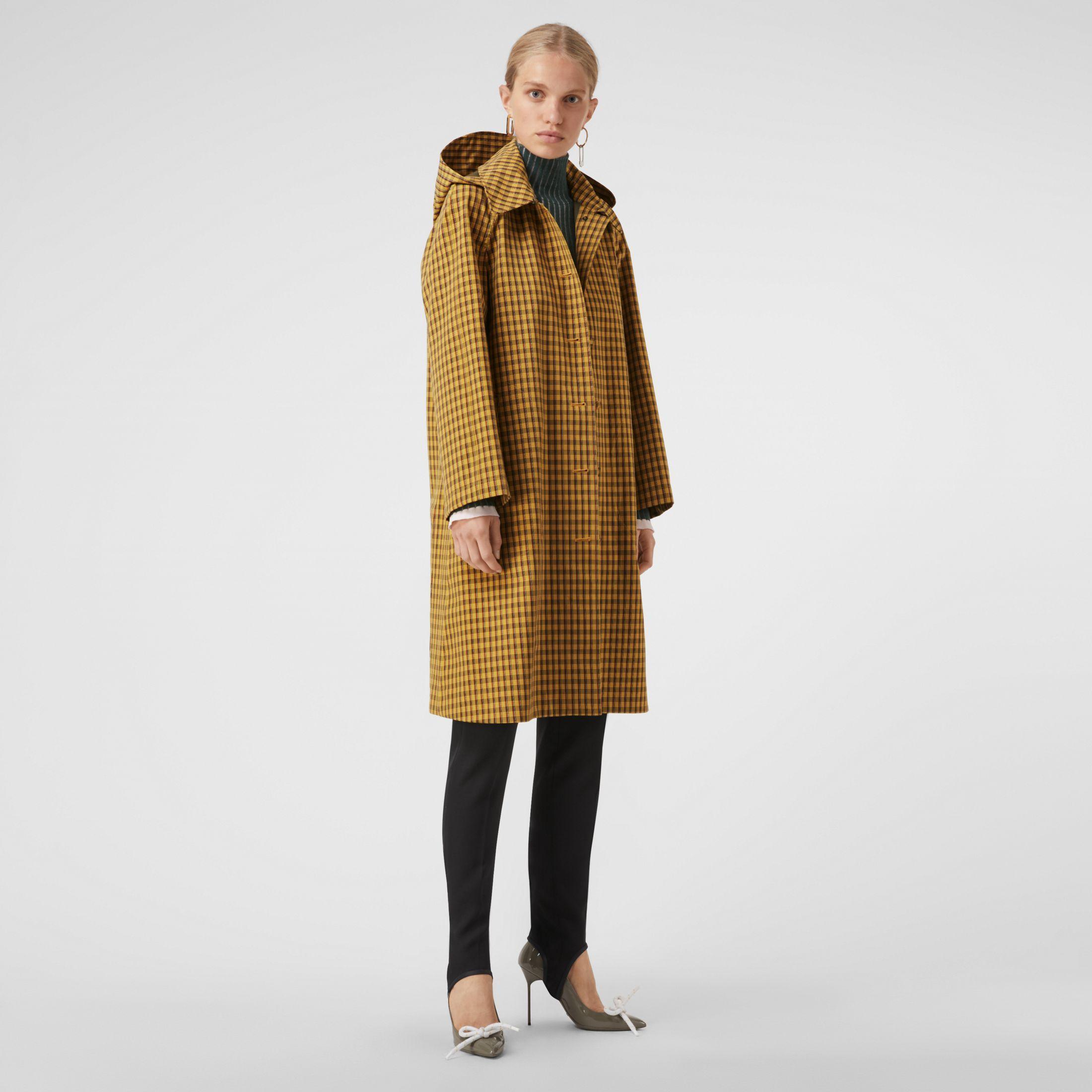 Abrigo tres cuartos extragrande con capucha extraíble y motivo a ...