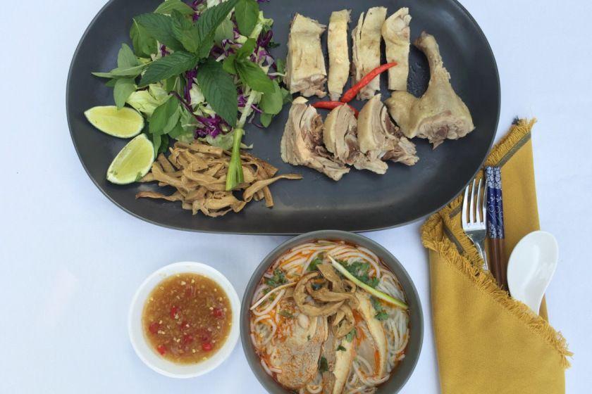 Duck and Bamboo Vermicelli Noodle Soup / Bún Măng Vịt   La Vie Partagée