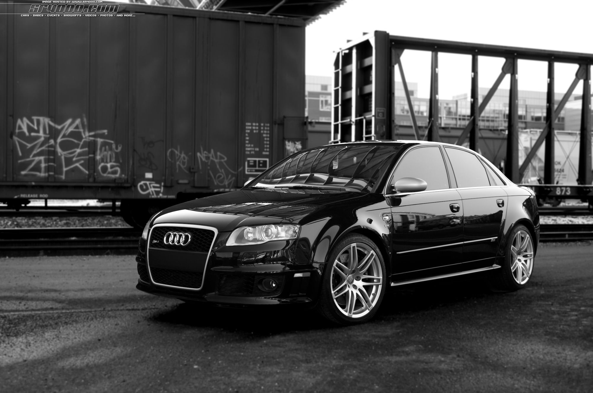 Pin By Lee Pike On Cars Bikes I Want Audi Motor Audi Rs4 Audi