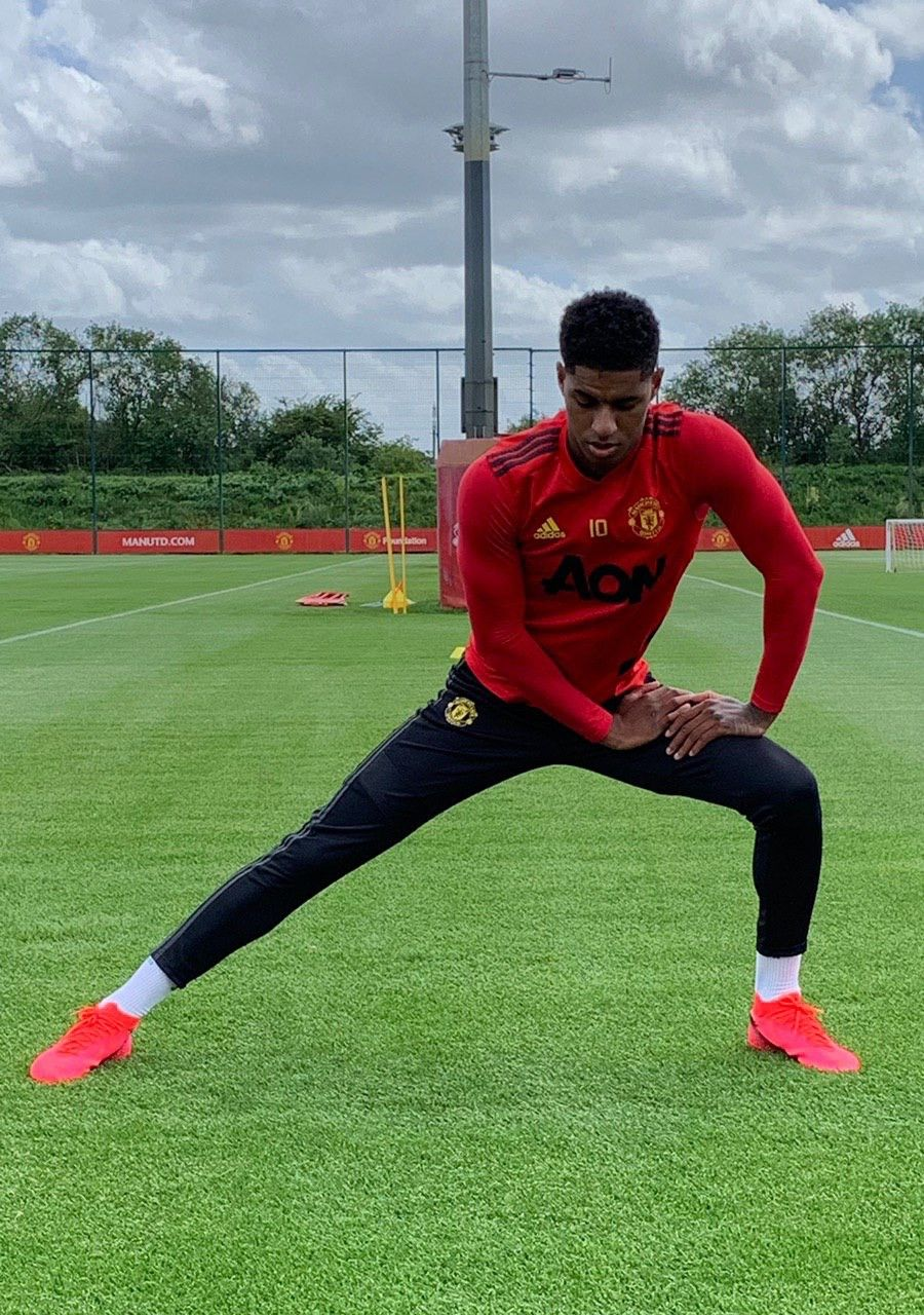 Pin By David On Fotball In 2020 Mufc Manchester United Manchester United Players Manchester United Training