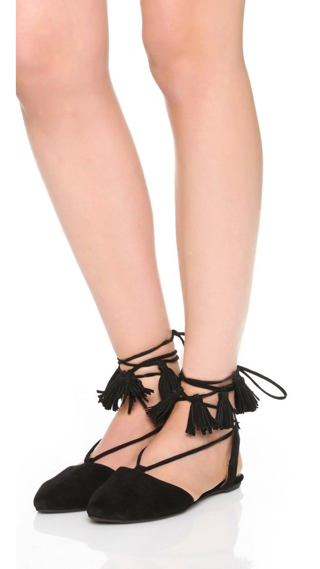 These tasseled steppers are perfect for a black tie affair.