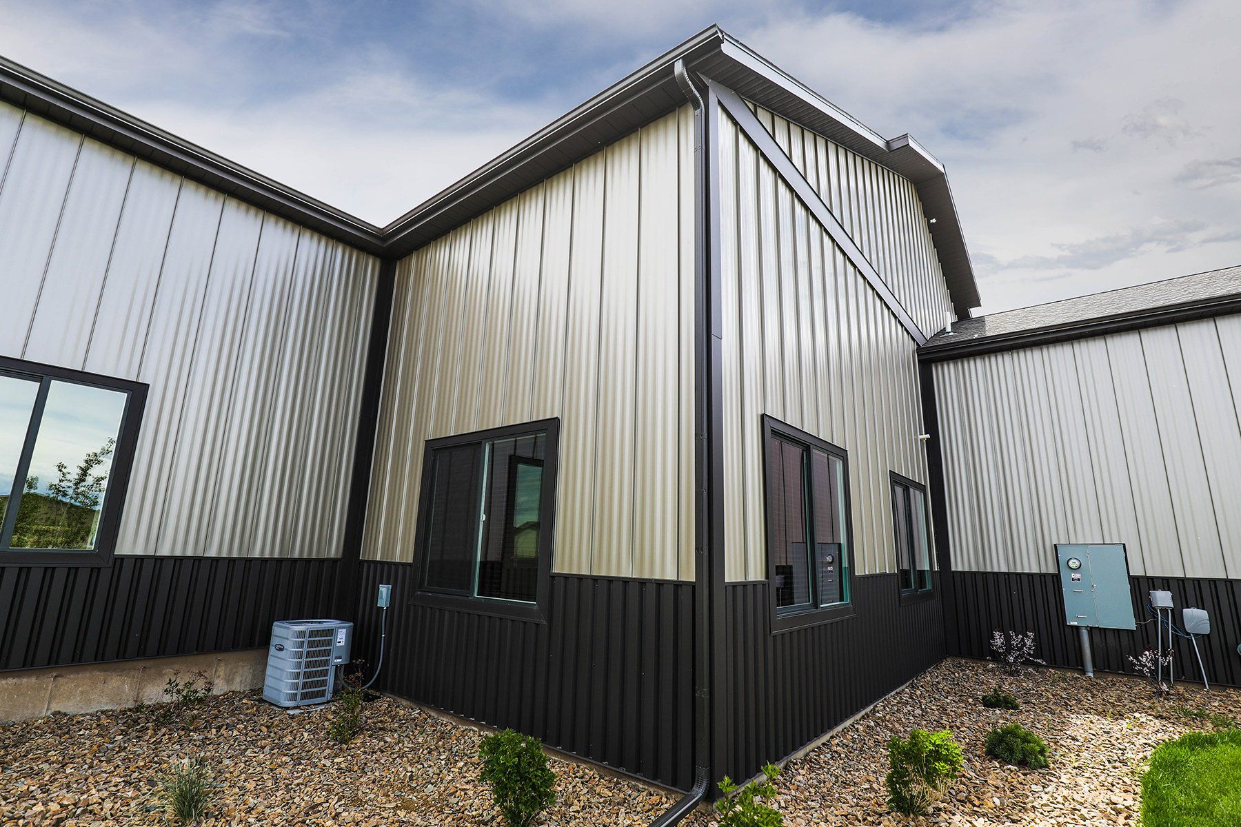 Pin By Michele Hannah On House Exterior Standing Seam Building Front Building Design