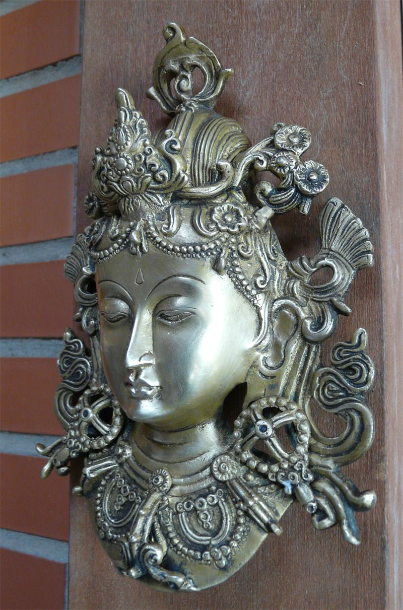 hindu tara | tara aquella que ayuda a atravesar